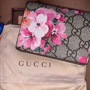 AUTHENTIC GUCCI BLOOM CARD CASE 🌸